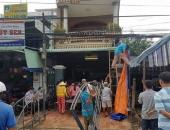 http://xahoi.com.vn/dai-tang-trong-can-nha-4-nguoi-chet-do-tai-nan-giao-thong-o-tay-ninh-333624.html