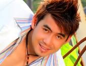 https://xahoi.com.vn/ca-si-doan-truong-o-nha-tri-gia-2000-cay-vang-nhung-van-chay-xe-may-ca-tang-mac-ao-thun-cho-344212.html