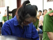 https://xahoi.com.vn/nu-bi-cao-bom-chat-doc-vao-tra-sua-dau-doc-chi-ho-cui-gam-mat-tai-toa-358479.html