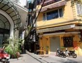 https://xahoi.com.vn/gia-san-tram-ty-tren-pho-kim-cuong-ha-noi-nam-phu-bat-vuong-day-bui-o-at-thanh-ly-gap-359279.html