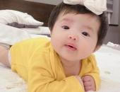 https://xahoi.com.vn/dong-nhi-lan-dau-cong-khai-truc-dien-dung-mao-con-gai-ca-dan-sao-viet-phan-khich-vi-be-qua-dang-yeu-366970.html