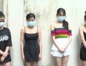 https://xahoi.com.vn/ha-noi-bat-chap-lenh-cam-quan-karaoke-van-dieu-20-nu-nhan-vien-phuc-vu-hang-chuc-khach-373041.html