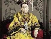 https://xahoi.com.vn/su-that-rung-ron-ve-100-dua-tre-nam-trong-lang-mo-cua-tu-hi-thai-hau-he-lo-toi-ac-gay-phan-no-375119.html