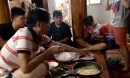 Xôn xao khoảnh khắc NS Hoài Linh ăn uống cùng bạn bè vào đúng ngày mổ tuyến giáp