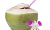Bí quyết làm đẹp: Nước dừa làm đẹp da mượt tóc
