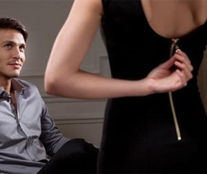 """Đau đớn nghe con gái sếp kể chuyện """"mẹ con và chồng cô không mặc đồ"""""""