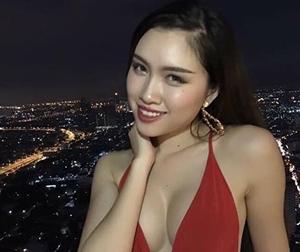 Cận cảnh thân hình nóng bỏng của MC quyến rũ nhất VTV