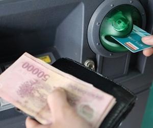 Phát hiện tội phạm mới, rút tiền ATM nhất định phải chú ý điều này