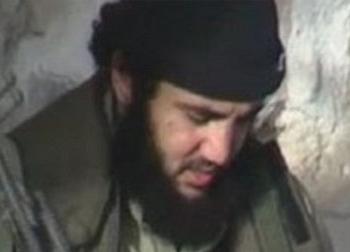 Kẻ tẩy não và biến thanh niên Anh thành đao phủ IS khát máu