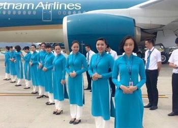 Tiếp viên Vietnam Airlines bắt đầu nô nức diện đồng phục mới