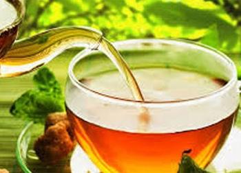 Bị viêm gan vì uống quá nhiều trà xanh