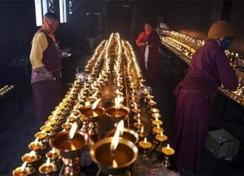 Những tập tục kỳ lạ và độc nhất của cao nguyên Tây Tạng