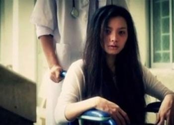 Người vợ trẻ hóa điên vì bị chồng đánh đập tàn bạo, đuổi về ngoại