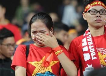 """Bóng đá Việt Nam thời HLV Hữu Thắng: """"Giấc mơ con"""" … chưa tròn!"""