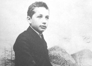 """Thành tích """"bất hảo"""" của thiên tài Albert Einstein thời đi học"""