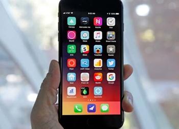 iPhone 8/ 8 Plus 'xách váy' cho Galaxy S7 trong bảng xếp hạng mới nhất
