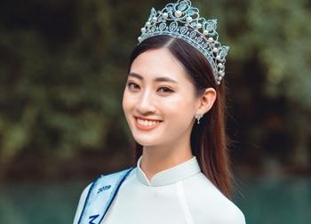 Hoa hậu Lương Thùy Linh gây choáng với kho giấy khen đồ sộ, fan đợi kỳ tích tại Miss World