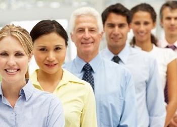 7 lỗi cần tránh khi quản lý nhân viên lớn tuổi hơn