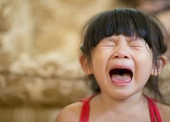 Những biểu hiện của một em bé hư, bạn cần phải uốn nắn nếu không muốn sau này phải hối hận