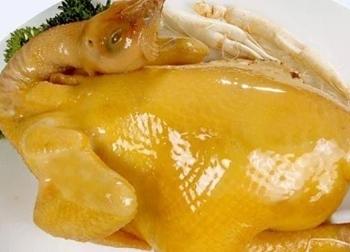 Luộc gà làm theo cách này tự lọc bỏ độc tố, chất tăng trọng, món gà vàng ươm thơm ngon hấp dẫn