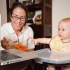 Muốn con phát triển toàn diện, cha mẹ cần bỏ ngay những hành động này khi cho con ăn