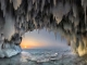 Ngỡ ngàng vẻ đẹp kỳ vĩ của hang băng lúc bình minh