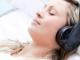 Ngã ngửa với những nguy hại không ngờ từ việc đeo tai nghe