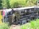 Xe khách lao xuống ao, 17 người may mắn thoát nạn