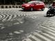 Chùm ảnh: Mặt đường Ấn Độ tan chảy dưới nắng nóng gần 50 độ C