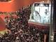 Hồng Kông: Choáng trước cảnh tượng 'biển' người tranh nhau đi mua đồ giảm giá
