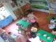 Hà Nội: Lại xuất hiện clip cô giáo tát, lay giật đầu trẻ mầm non vì ăn chậm