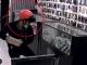 Trộm đập phá, vơ vét điện thoại trong cửa hàng