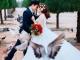 'Hot boy trà sữa' tình cảm bên vợ trong ảnh cưới