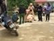 Thầy giáo lùi xe khiến một học sinh tử vong tại chỗ, một em bị thương