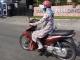 Sài Gòn nắng nóng kinh hoàng 40 độ C, người dân vật lộn ngoài đường, trong bệnh viện