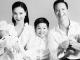 Hồ Ngọc Hà lần đầu tung ảnh gia đình 5 người, chính thức công khai gương mặt cặp song sinh