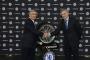 Chelsea ký hợp đồng mới, tiền lại 'nhiều như nước'