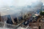 Lửa cháy dữ dội thiêu rụi 14 phòng trọ trên đường Phạm Văn Đồng