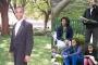Chàng trai hỏi cưới con gái tổng thống Obama bằng... gia súc