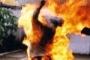 Bắt gã chồng dùng xăng đốt vợ khiến con trai thiệt mạng
