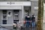 Ngân hàng giữa đại lộ Champs-Elysees bị cướp vét sạch 30 két bạc tiền