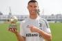 Ronaldo giành danh hiệu Cầu thủ ghi bàn tốt nhất thế giới