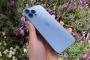 'Bóc tem' iPhone 13 Pro Max phiên bản màu Sierra Blue trong ngày mở bán