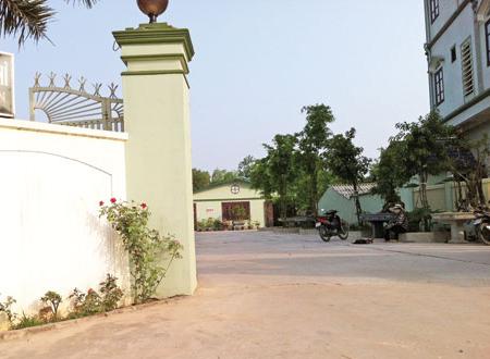 Nhà nghỉ Hương Lan, nơi chị K.L tố cáo thiếu tá D. đã cưỡng hiếp chị ngay trong xe đỗ trong sân nhà nghỉ