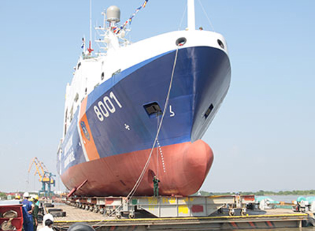 Tàu CSB 8001 chuẩn bị hạ thủy