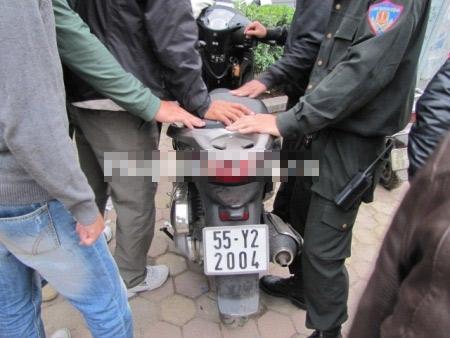 Bác sĩ Bệnh viện Bạch Mai mang ma túy đá