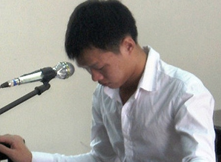 Nguyễn Thanh Tuấn cúi đầu nhận tội tại phiên toà