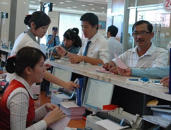 Ông Trầm Bê bán dần cổ phiếu Sacombank?