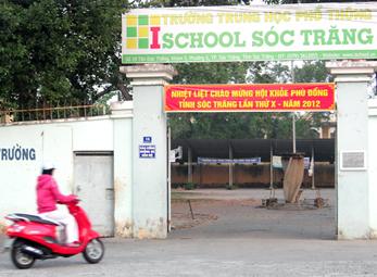 Học sinh đánh thầy bị phạt 750.000 đồng