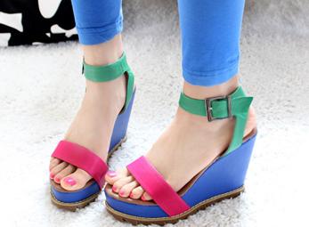 Mẫu giày dép đẹp xinh dạo chơi ngày hạ